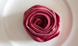rose di stoffa facili, rose di stoffa fatte a mano, rose di stoffa fai da te