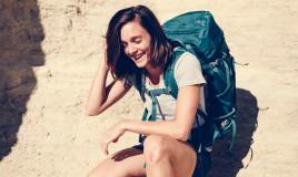 indossare zaino trekking