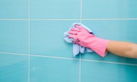 Come pulire il soffitto donnad - Pulire piastrelle bagno ...