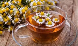Tisane relax contro l'insonnia: le erbe migliori per rilassarsi