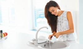 come lavare i piatti con un solo lavello, lavare i piatti a mano