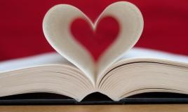 cosa regalare a chi ama leggere, idee regalo per chi ama leggere, regali per lettori