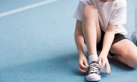 bambino fa sport