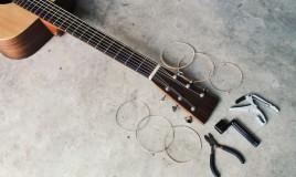 come sostituire corda chitarra, cambiare corda chitarra