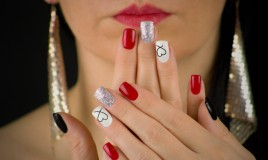 nail art, rosso e argento, decorazione unghie