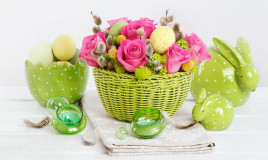 centrotavola di Pasqua, fai da te, fiori e uova
