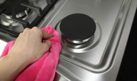 pulire cucina gas
