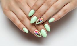 nail art estiva, trend estate 2020, decorazioni unghie belle