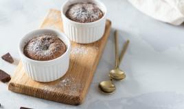 tortino dolce, cioccolato bianco, cuore al pistacchio