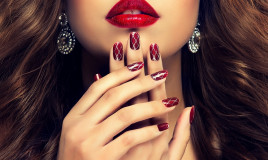 nail art bordeaux, decorazione unghie, design