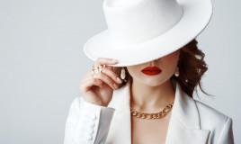look donna, total white, abbigliamento invernale