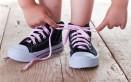 allacciarsi le scarpe