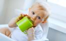 bere dalla tazza