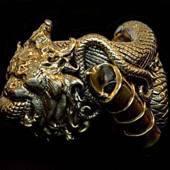 Gianfranco Ferré, bracciale leone collezione AI 91-92
