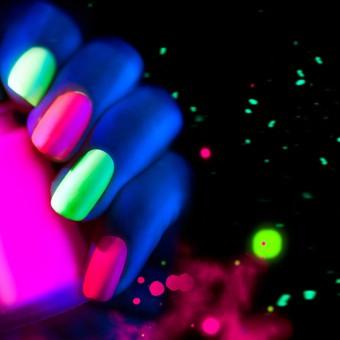 nail art, neon, decorazione unghie