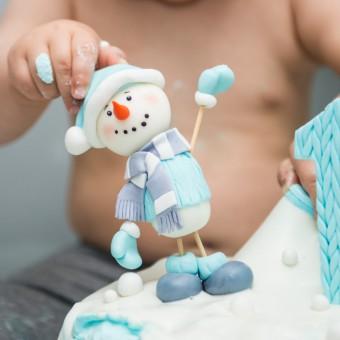 torte con pupazzo di neve, pupazzo di neve pasta di zucchero