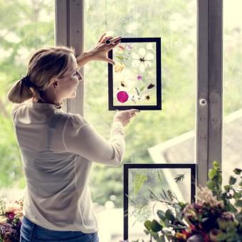 arredare casa con fiori secchi, arredare casa con fiori pressati, decorazioni con fiori secchi