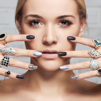 nail art, nero e argento, decorazione unghie
