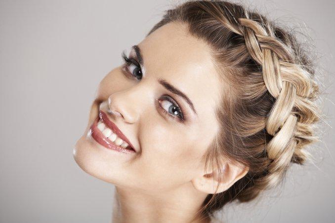 Pettinature cerimonia capelli medi