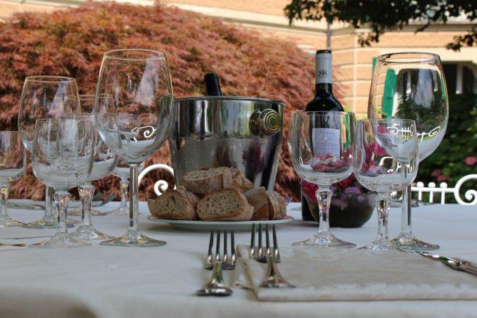 festeggiamento nozze ricevimento invitati sposi testimoni villa