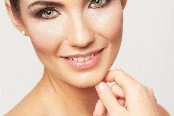trucco naturale, eliminare imperfezioni donne donna bellezza