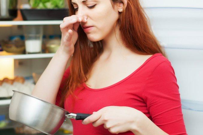 limone bicarbonato piatti pentole strumenti oggetti profumi igiene cucina odori
