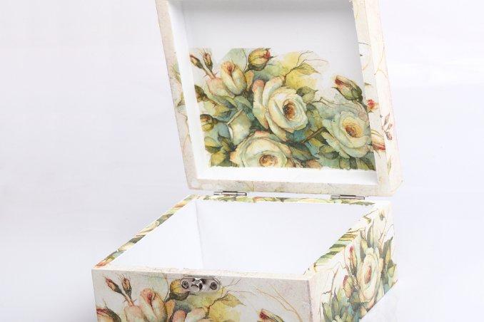 scatola portagioie decoupage decorazione