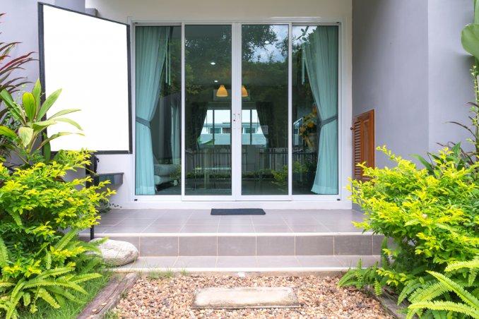 casa pulizia garage balconi cura spazi esterni scala corridoio polvere disimpegno stanza ospiti