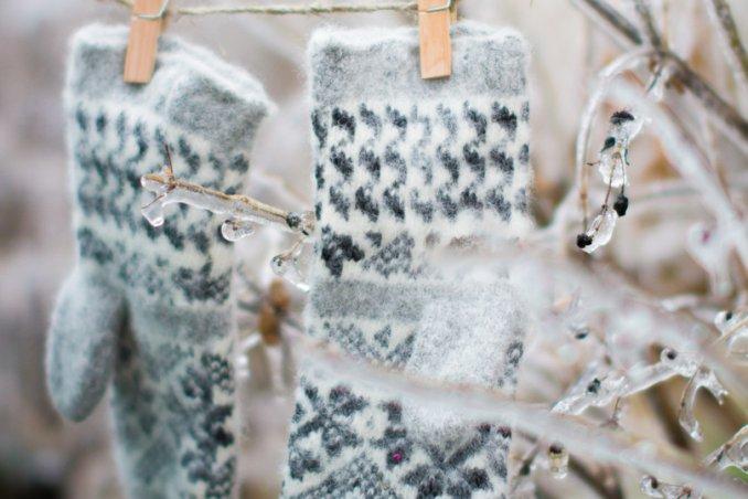 lana guanti inverno bucato conservare proteggere