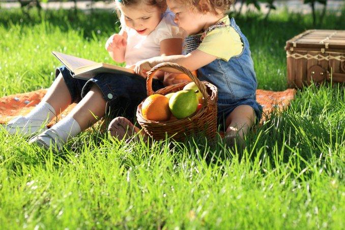 lettura leggere bambino figli iniziare abitudine mamma donne donna