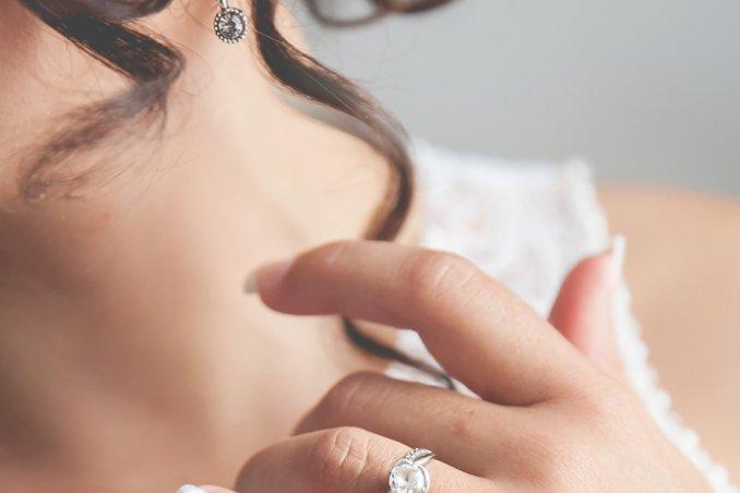 estremamente unico marchi riconosciuti prezzo di strada Significato degli anelli sulle dita | DonnaD
