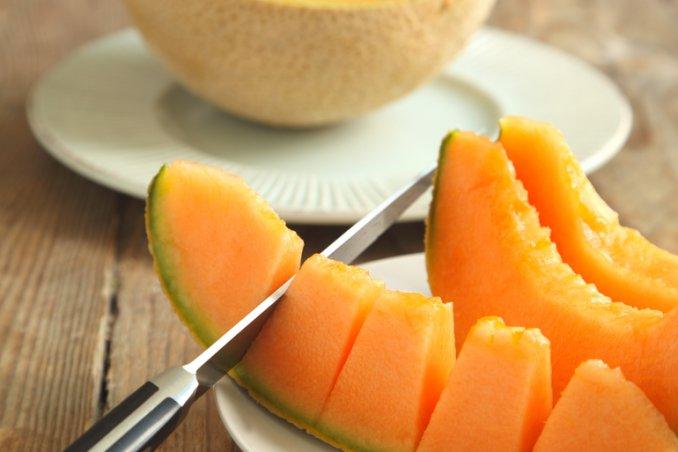 Il Melone Frutto Dell Estate Donnad