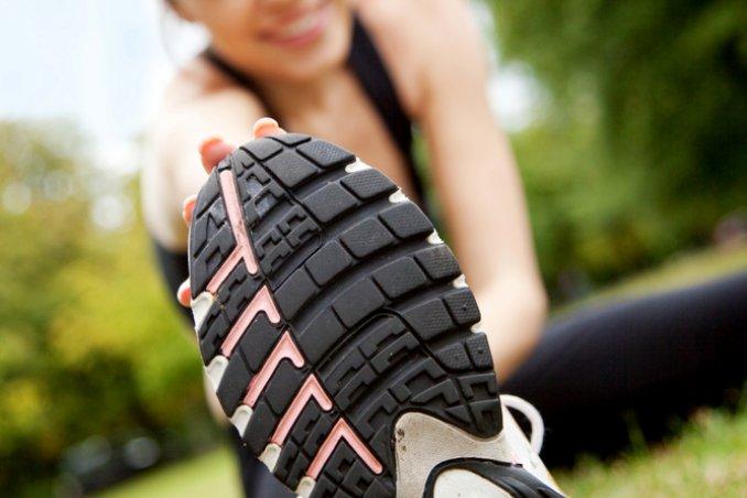 piedi scarpe sport