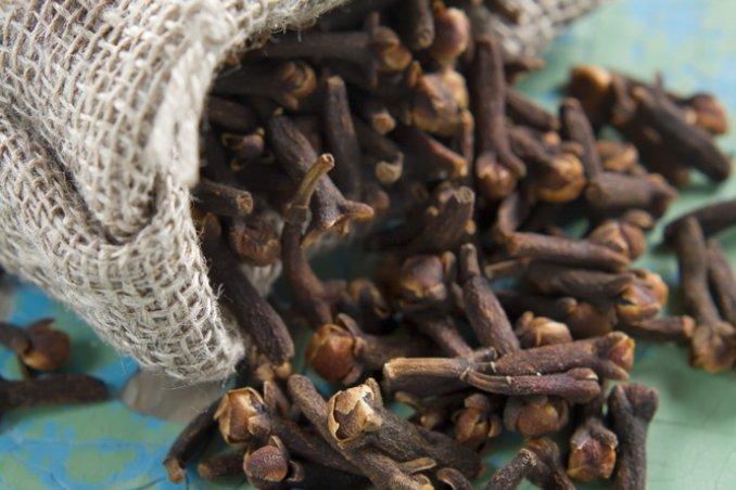 spezie piante aromatiche erbe proprietà purificanti igiene profumo pulizie casa