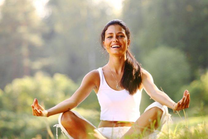 ridere risata yoga salute