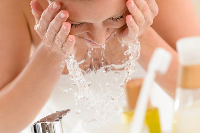viso spazzola pulizia pelle