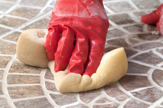 pavimento in cotto pulizia macchie scarpe olio grasso umidità calcare