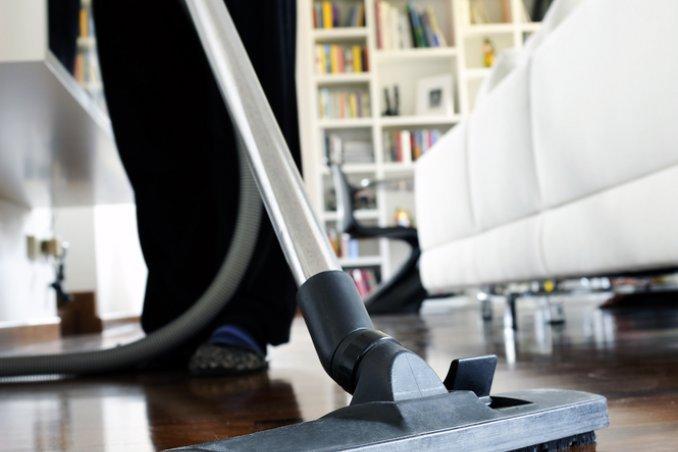 lavoro diritti bucato casalinga contratto casa pulizie colf collaboratrice domestico