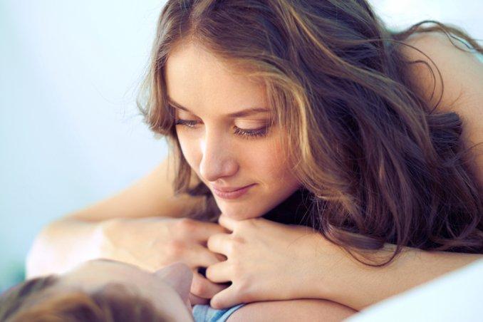 coppia intimità galateo sotto le lenzuola