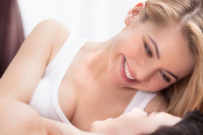 coppia intimità preliminari