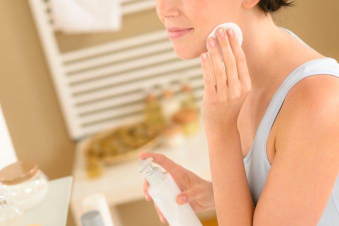 detersione della pelle del viso