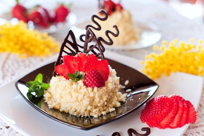 Torta mimosa alle fragole | DonnaD
