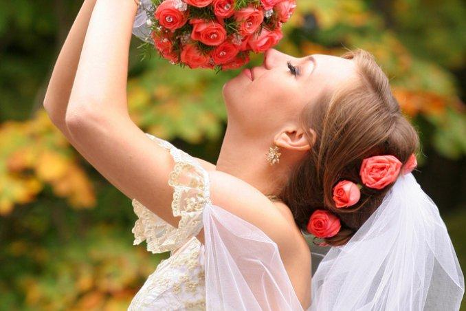 7 spose per 7 bouquet. SALVA. CONDIVIDI COMMENTA. Il bouquet del tuo  matrimonio 86f6f9ec5a0
