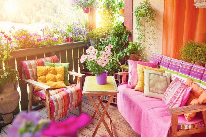 Come arredare un terrazzo spendendo poco | DonnaD