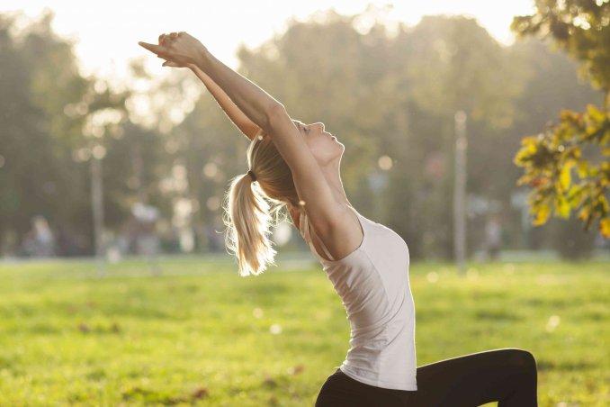 esercizi yoga per dimagrire