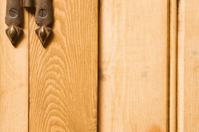 Come Ripristinare Una Porta In Legno.Come Riparare Uno Spigolo Della Porta Scheggiato Donnad