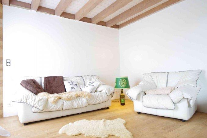 Come riparare il divano in pelle donnad - Pulire divano in pelle ...