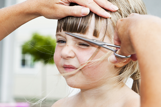 Giochi tagliare i capelli ai maschi