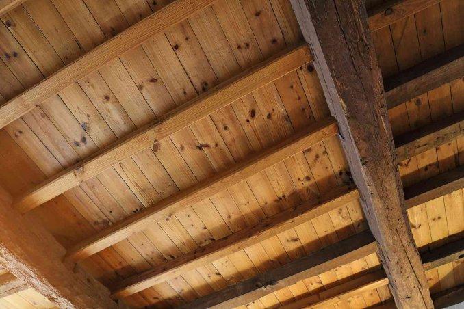 Come pulire il soffitto donnad for Soffitto della cattedrale di legno