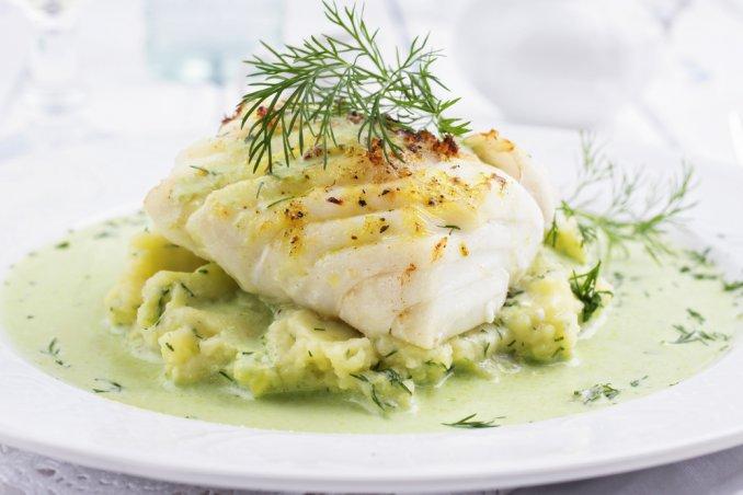 Baccalà con salsa di broccoli e cipolla di Tropea